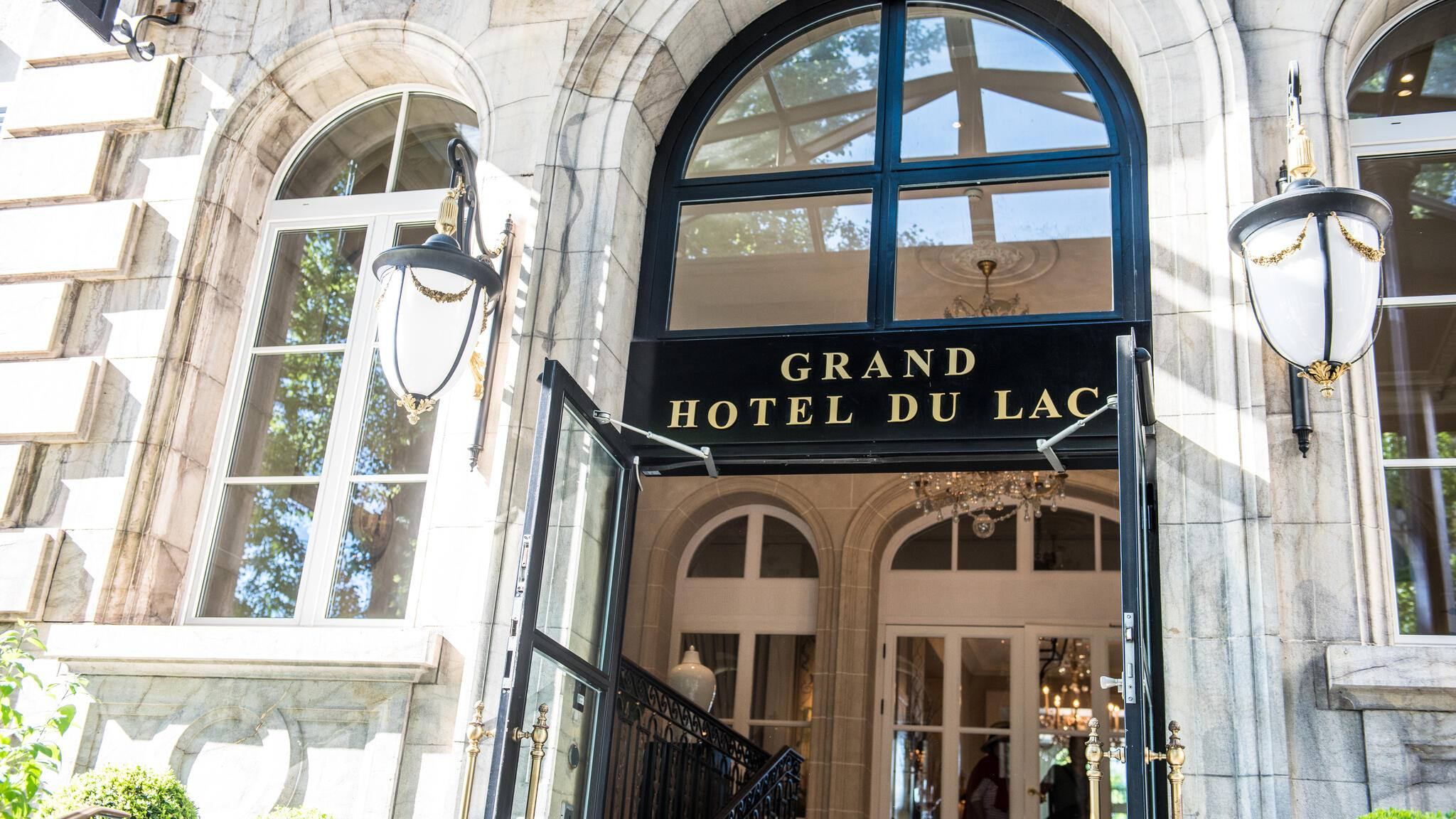 Grand Hôtel du Lac Main Door