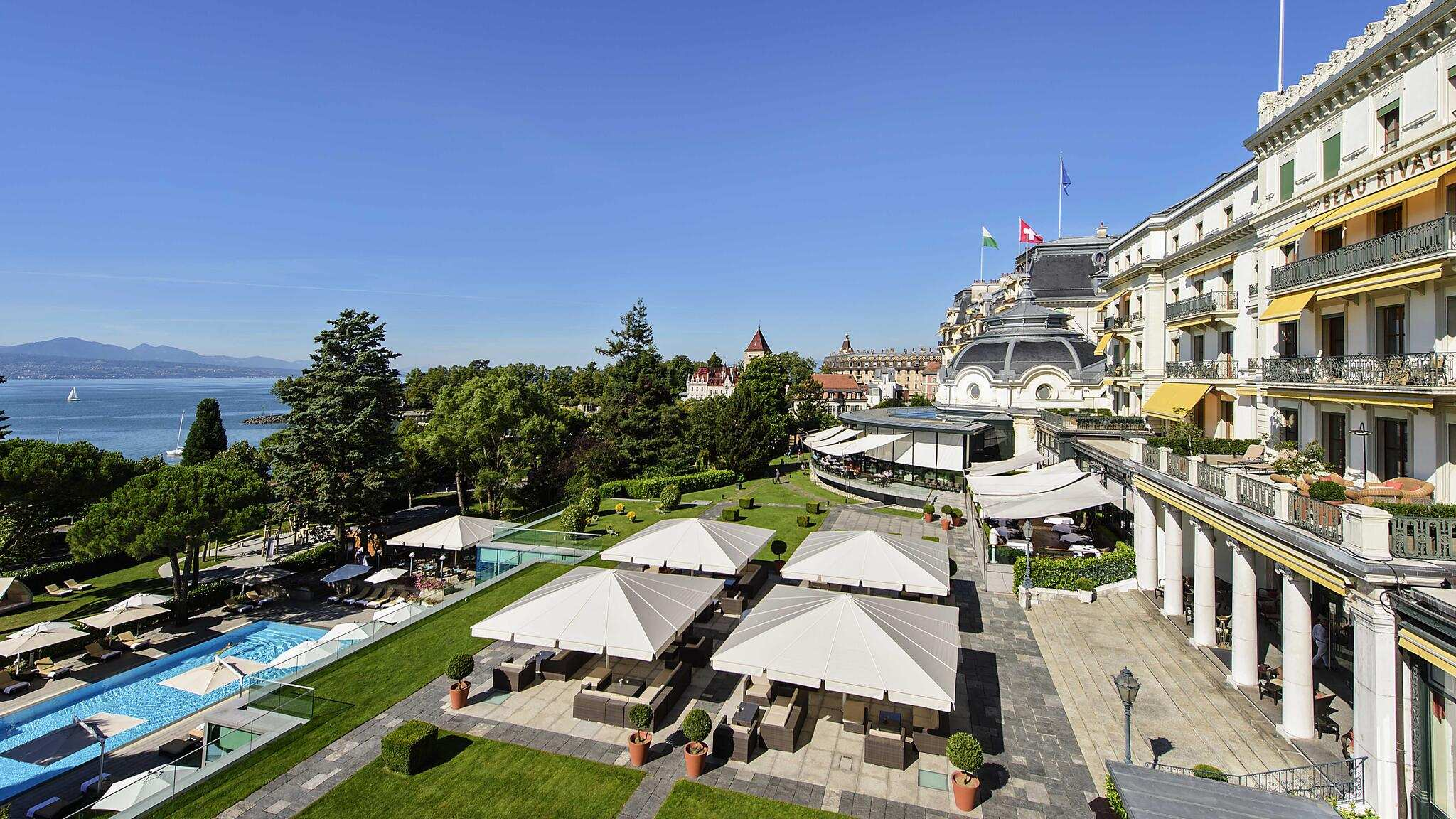 Aussenansicht vom Hotel Beau-Rivage Palace Restaurant Cafe Beau Rivage in Lausanne - GaultMillau