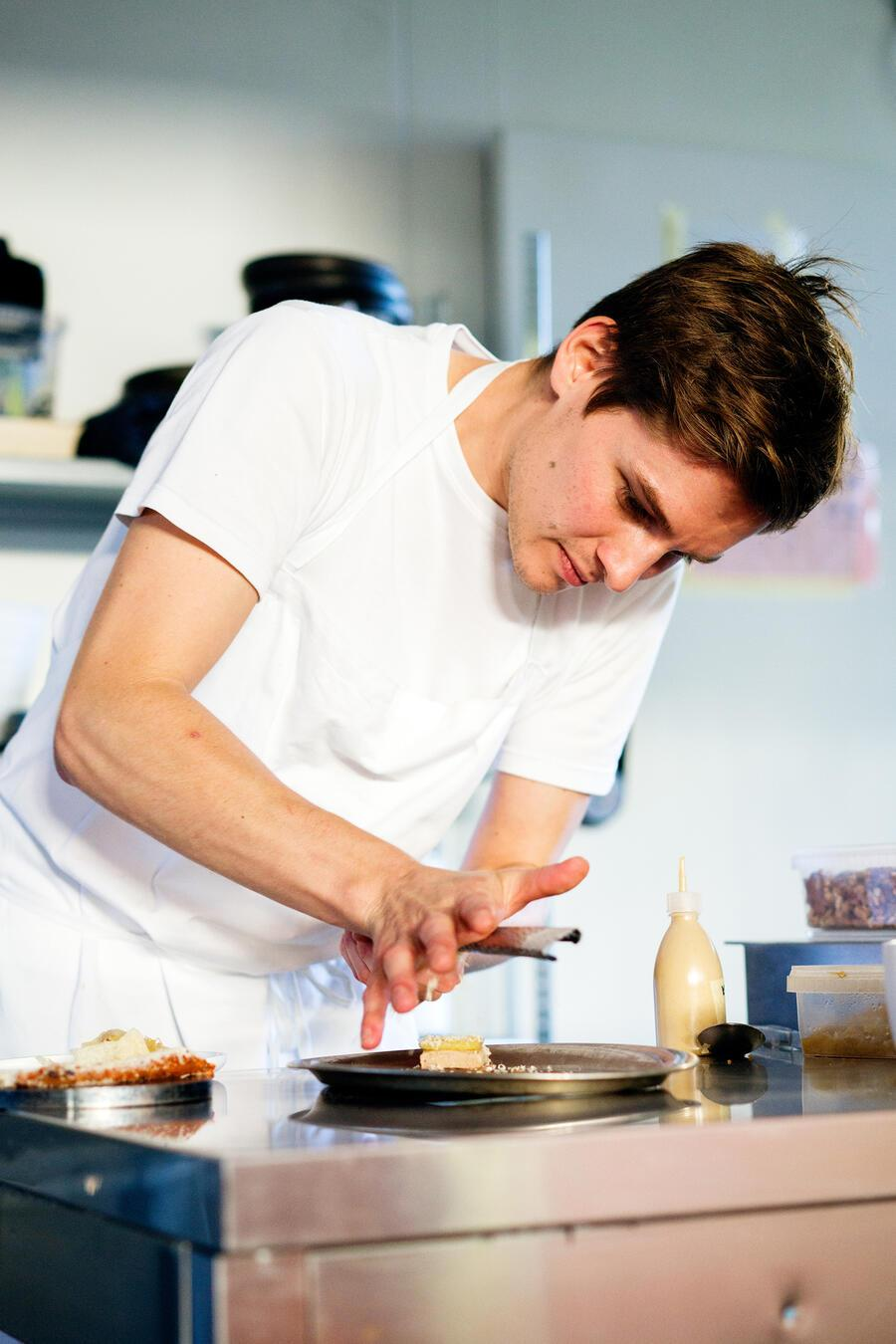 Küchenchef Michael Dober im Pop-up Rosa Pulver in Winterthur
