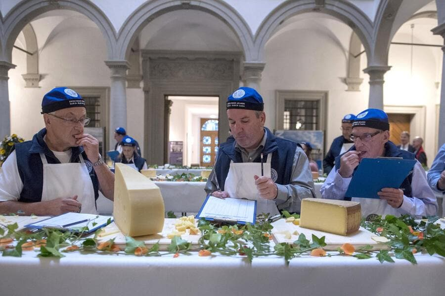 SWISS CHEESE AWARDS 2018, Super Jury an der Arbeit, anlaesslich der Swiss Cheese Awards 2018, am Samstag, 28. September 2018 in Luzern. (FROMARTE Marcel Bieri).