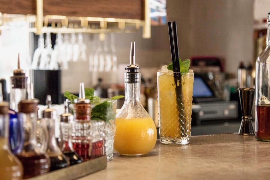 gaultmillau-channel_cocktail_bar_bottlelausanne