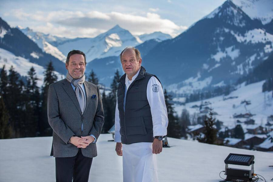 Gstaad Palace. Andrea Scherz, Direktor mit Franz W. Faeh (r), Executive Chef (c) Marcus Gyger