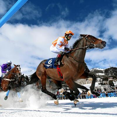 ST. MORITZ, 18FEB18 - Impression vom 'Longines 79. Grosser Preis von St. Moritz', einem Flachrennen ueber 2000 Meter, am dritten Renntag von White Turf St. Moritz am 18. Februar 2018 in St. Moritz.Impression of the flat race 'Longines 79. Grosser Preis von St. Moritz' at the White Turf St. Moritz on the frozen lake of St. Moritz, Switzerland, February 18, 2018.swiss-image.ch/Photo Nick Grasern