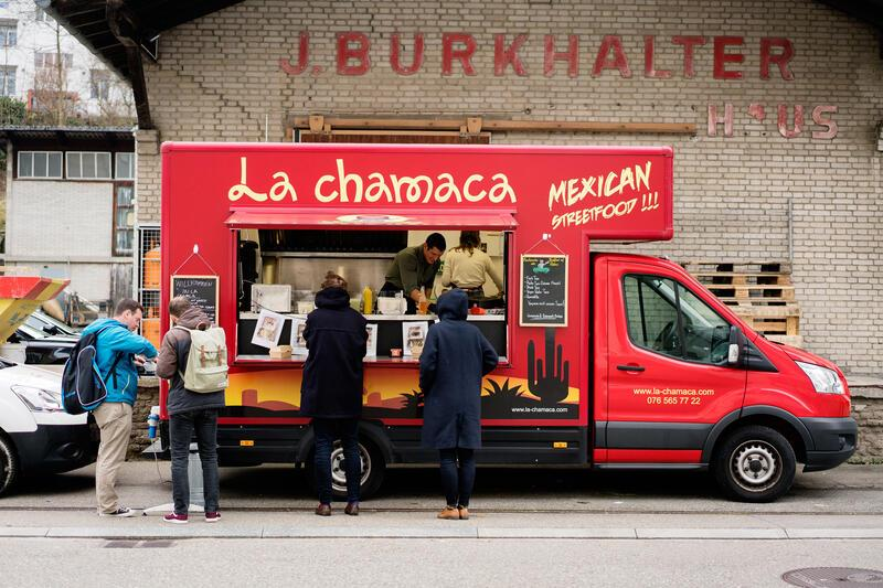 Tacos in Zürich vom Food-Truck La Chamaca von Julian Dominguez