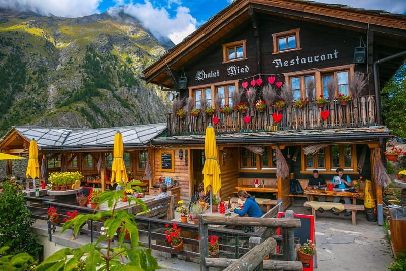 RKEBD6 Ried Restaurant. Ried. Zermatt. Swiss Alps. Valais. Switzerland. Europe.