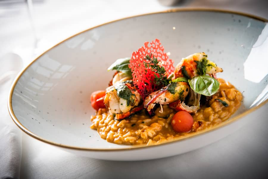 Daniel Müller, Country Club 2020: Hummer, Champagner, Risotto
